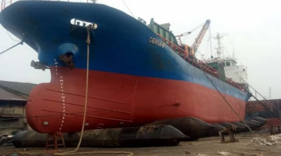 Pengerjaan Docking Kapal KM CERIA 8